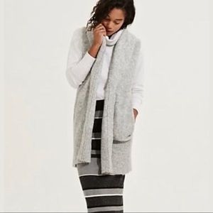 Lou & Grey Boucle Ling Sweater Vest